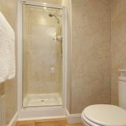 En-suite in room 6 at Hawthornbank