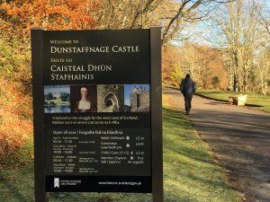 dunstaffnage-castle-entrance