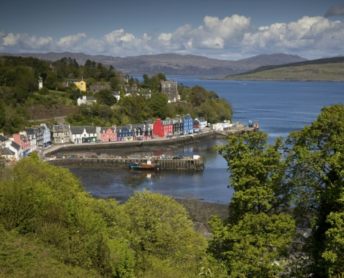 Picturesque Tobermory. Island of Mull